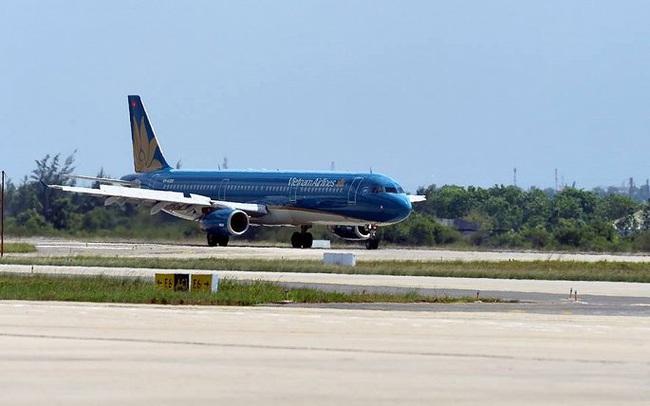 Tiếp tục hủy thêm 8 chuyến bay do ảnh hưởng bão Nakri
