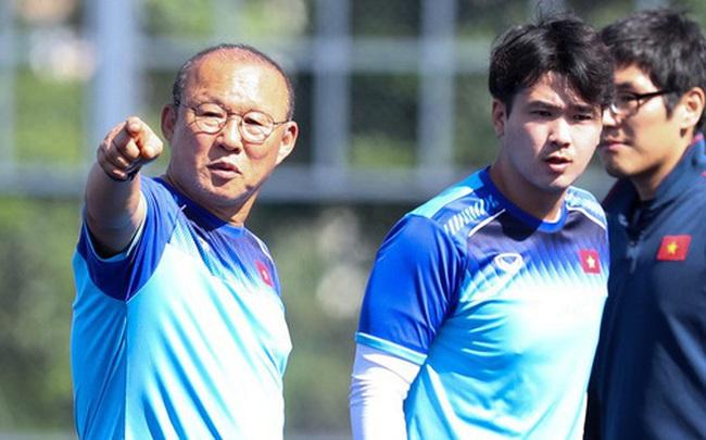 Tin chắc sẽ vượt qua vòng bảng, HLV Park Hang-seo cử trợ lý U22 Việt Nam thăm dò đối thủ ở bán kết SEA Games 2019