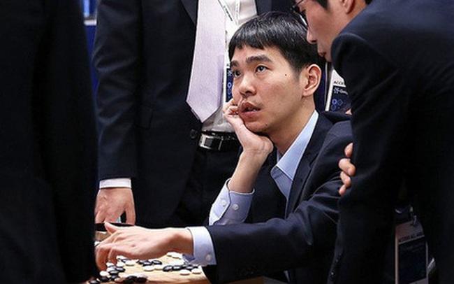 Kỳ thủ cờ vây từng vô địch thế giới 18 lần tuyên bố giải nghệ sau khi để thua trước DeepMind, khẳng định AI là bất khả chiến bại