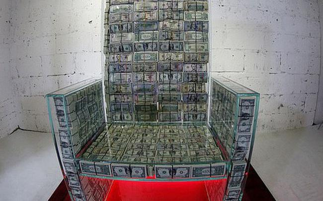 """Choáng với """"ngai vàng"""" được làm từ 1 triệu USD tiền mặt của tỷ phú Nga"""