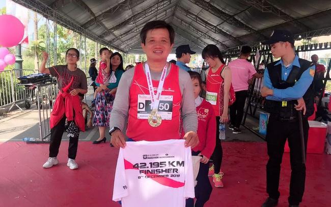 Sau khi thôi việc, ông Đoàn Ngọc Hải chạy marathon và đoạt huy chương