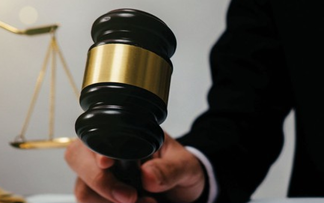 Không đăng ký giao dịch chứng khoán, chậm trễ lên sàn, 2 doanh nghiệp bị phạt nặng