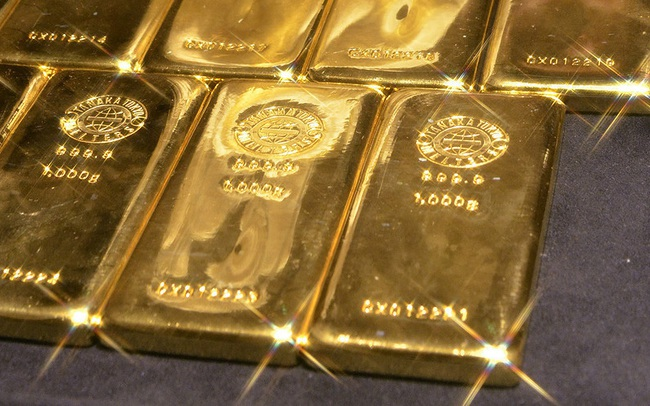 Giá vàng đứng ở mức cao sau khi thỏa thuận thương mại được ký kết