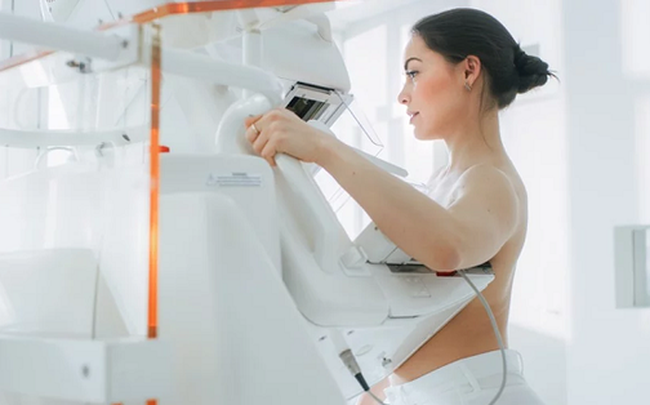 """""""Chiến thắng"""" 6 bác sĩ, trí tuệ nhân tạo xác định ung thư vú chính xác, mở ra cơ hội sống cho hàng ngàn người"""