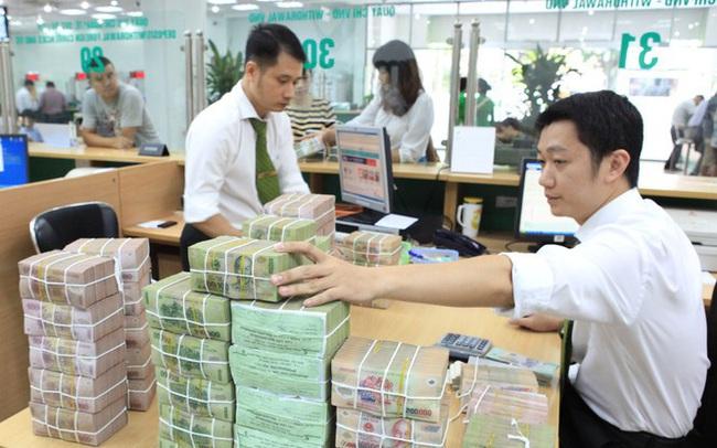 Lãi suất liên ngân hàng xuống kỷ lục