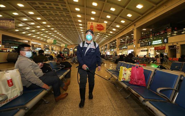 Ám ảnh đại dịch lây lan, Trung Quốc ra lệnh đóng cửa thành phố Vũ Hán