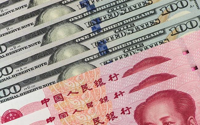 """Trung Quốc đang ráo riết """"lật đổ"""" vị trí độc tôn của đồng USD như thế nào?"""