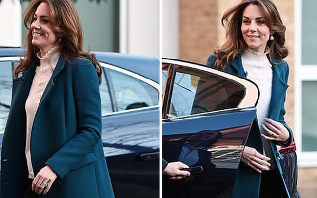 Công nương Kate gây bất ngờ với vẻ ngoại hình khác biệt tại sự kiện mới nhất trong khi Meghan Markle hành động bất thường