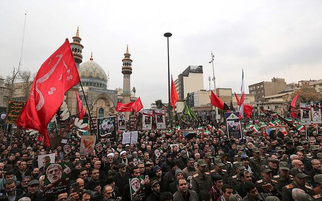 """Sau 3 ngày để tang tướng Soleimani, Iran cảnh báo trả thù Mỹ bằng """"cơn ác mộng lịch sử"""""""