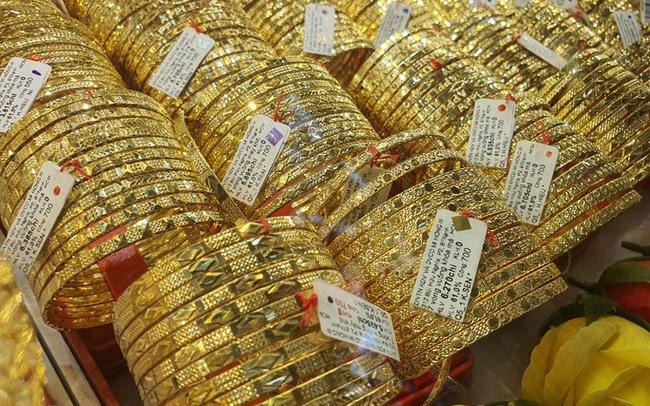 Giá vàng được dự báo sớm lên 1.700 USD/USD