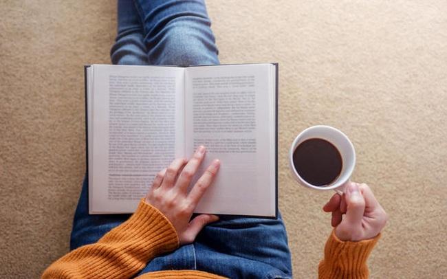 Nếu nghĩ việc đọc 2 cuốn sách/tuần là bất khả thi, bạn đã nhầm: Tôi đã làm được và thay đổi hoàn toàn cuộc đời mình mà chẳng tốn chút thời gian