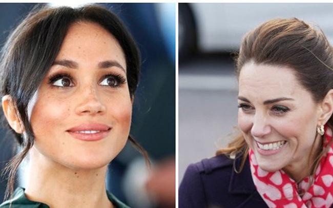 """Tiết lộ mới gây sốc về cảm xúc """"thật"""" của Công nương Kate sau khi vợ chồng Meghan Markle rời khỏi gia đình hoàng gia"""