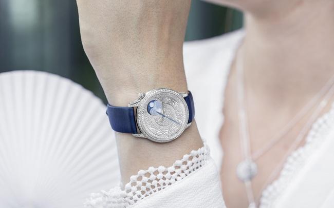 BST mới của chế tác đồng hồ cao cấp Vacheron Constantin dành riêng cho phái đẹp: Yêu ngay từ cái nhìn đầu tiên!