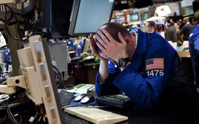 """Một tuần """"tắm máu"""" của chứng khoán Mỹ, Dow Jones mất 12% giá trị: Chuyện gì đã xảy ra?"""