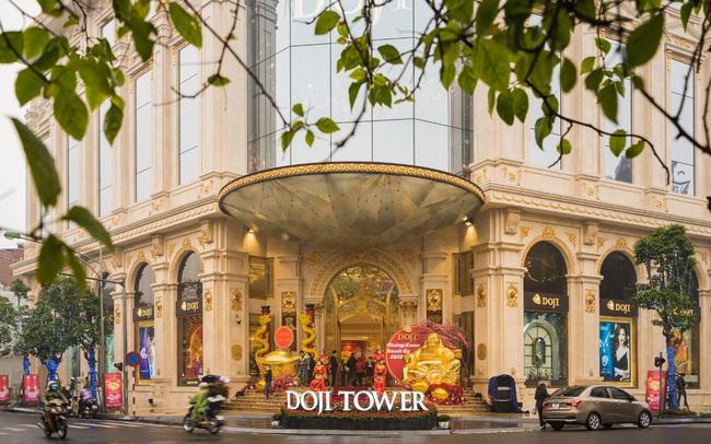 Chỉnh trang lại tiểu cảnh trước tòa DOJI Tower