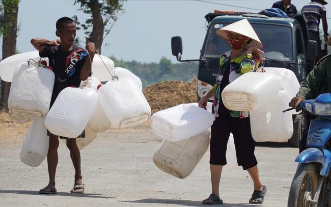 Bài toán kinh tế về sử dụng nước ngọt cho người dân miền Tây
