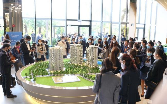 Hàng trăm khách hàng đến tham quan và trải nghiệm dự án d'Lusso quận 2