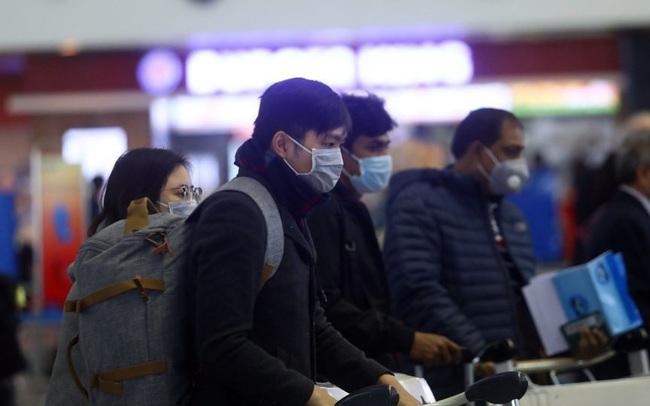 Thủ tướng: Người nước ngoài nhiễm Covid-19 phải trả phí khi điều trị tại Việt Nam