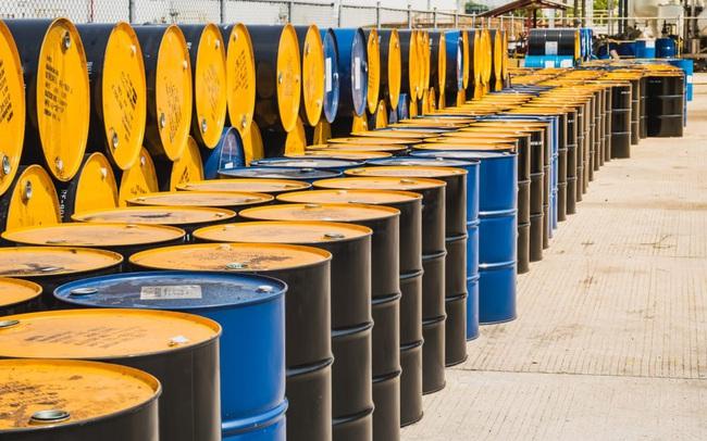 Giá dầu tiếp tục trượt dốc, xuống sát 30 USD/thùng khi dịch bệnh đè nặng lên nền kinh tế toàn cầu