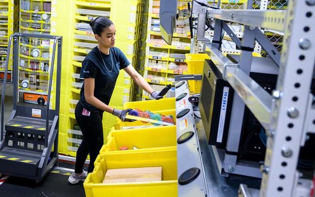 Thay vì sa thải nhân viên hàng loạt, virus corona khiến Amazon phải tuyển thêm 100.000 người