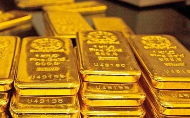 Giá vàng thế giới miệt mài đi lên, vượt 1.975 USD/ounce