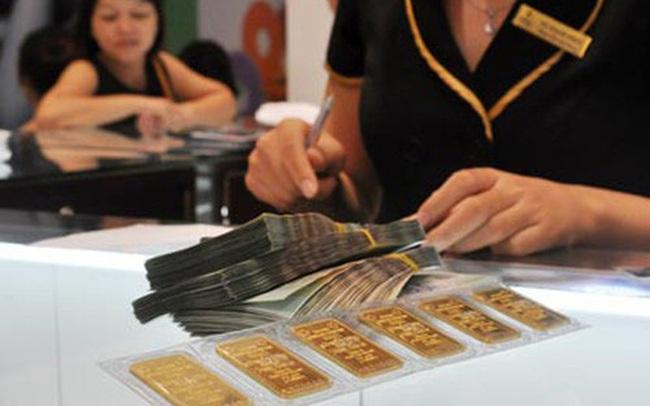Vì sao tỷ giá tăng mạnh còn giá vàng trong nước neo cao hơn thế giới tới gần 5 triệu đồng/lượng?