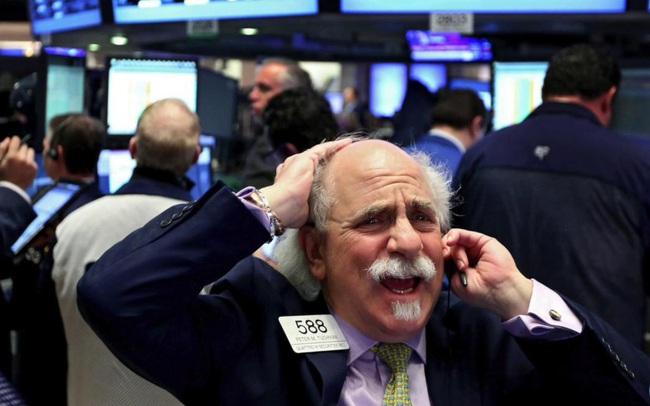 Phố Wall đảo chiều ở nửa cuối phiên, Dow Jones giảm 17% kể từ đầu tuần đến nay, S&P 500 và Nasdaq có tuần tồi tệ nhất kể từ khủng hoảng tài chính 2008