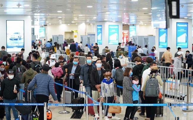 Bộ Ngoại giao: Vận động, khuyến cáo người Việt Nam ở nước ngoài hạn chế tối đa về nước trong thời điểm hiện nay