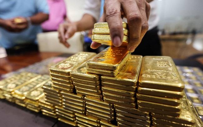 Giá vàng bất ngờ quay đầu lao dốc