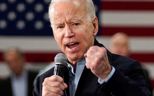 """Dow Jones futures tăng hơn 400 điểm khi cựu Phó Tổng thống Joe Biden dẫn đầu """"siêu thứ 3"""""""