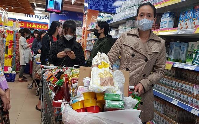 Saigon Co.op cam kết đủ hàng từ mì tôm, đồ hộp… đến khẩu trang, giấy vệ sinh dù nhu cầu tăng vọt