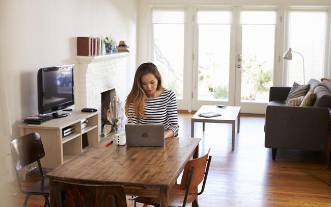 """3 """"kẻ thù"""" đe dọa hiệu suất của dân công sở khi làm việc ở nhà: Số 1 nghe là run, số 3 nhiều người vẫn mắc phải"""