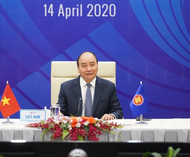 Chùm ảnh: Thủ tướng chủ trì Hội nghị cấp cao đặc biệt ứng phó COVID-19