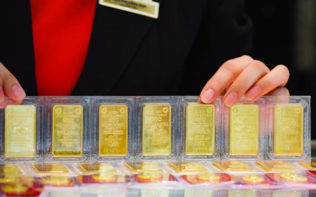 Giá vàng bất ngờ bật tăng trở lại