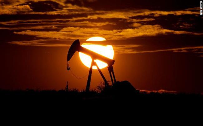 """1.100 công ty có thể phá sản, ngành dầu mỏ Mỹ như đang đối mặt với """"ngày tận thế"""""""