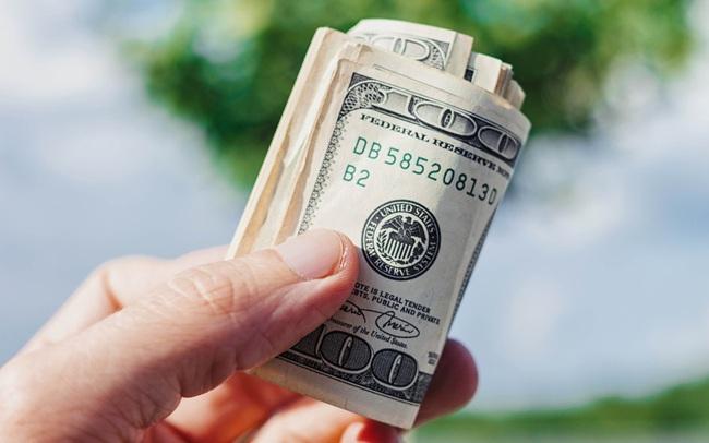 Tiền kiếm được dù ít hay nhiều, khôn ngoan nhất vẫn là mang đi tiết kiệm: Cuộc sống là muôn vạn chữ ngờ, chờ lúc khó khăn mới nhận ra thì hối chẳng kịp!