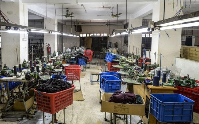 Bloomberg: Công nhân trong ngành công nghiệp tỷ đô của Việt Nam và các nước đang phát triển đứng trước nguy cơ nghèo cùng cực vì Covid-19