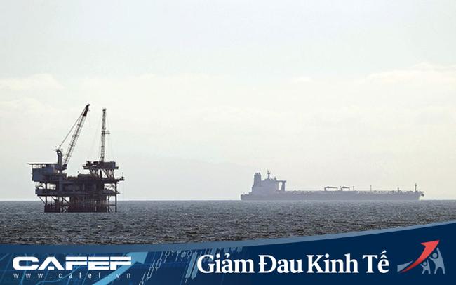 Bloomberg: Gần 250 triệu thùng dầu đang trôi nổi trên biển không có đích đến, chờ đợi người mua trong vô vọng