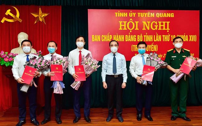 Triển khai quyết định của Ban Bí thư Trung ương Đảng về công tác cán bộ