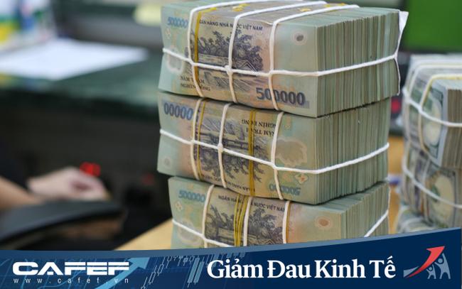 Sau giảm mạnh lãi suất cho vay, hàng loạt ngân hàng cũng giảm mạnh lãi suất tiền gửi tại quầy