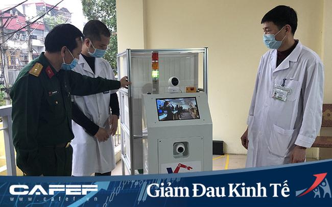 """Việt Nam chế tạo thành công robot Vibot-1a phục vụ trong khu cách ly: Thay thế 3 – 5 nhân viên y tế, biết nói """"cảm ơn"""", """"tạm biệt"""", """"xin tránh đường"""""""