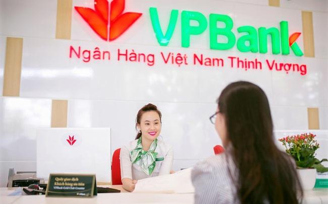 Giá cổ phiếu VPB tăng mạnh, kế toán trưởng VPBank đăng ký bán ra