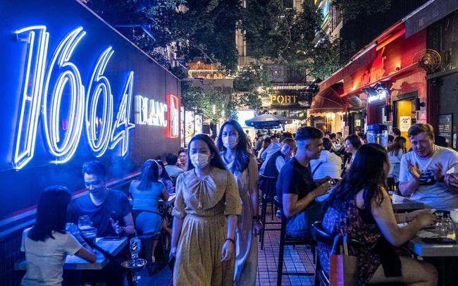 """Đi tìm trạng thái """"bình thường mới"""" trong thời kỳ bất thường ở Hồng Kông"""