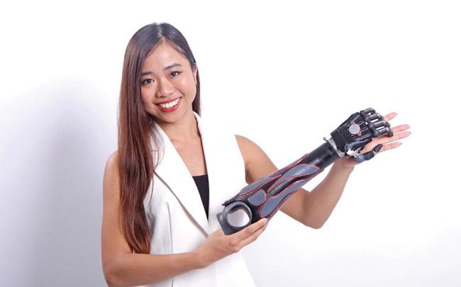 Trịnh Khánh Hạ: Cô gái Việt 25 tuổi mang cánh tay giả sang Hà Lan dự thi startup quốc tế và câu chuyện đằng sau về một vị thần khuyết tật
