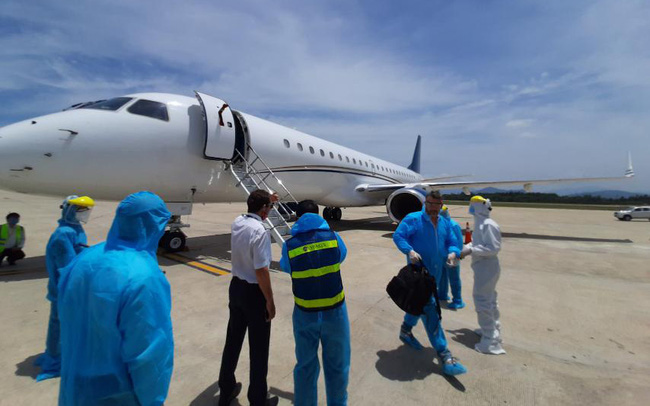 Để đẩy nhanh tiến độ HRC ra mắt vào tháng 9 tới, Hòa Phát chi 200.000 USD thuê máy bay đưa 15 chuyên gia của Danieli đến Dung Quất