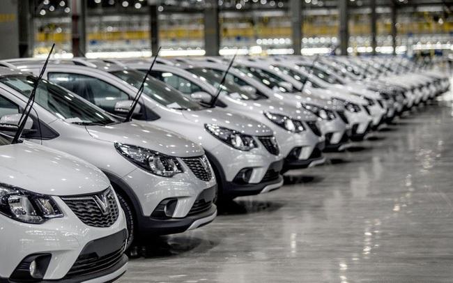 Cuộc đua giảm giá tiếp tục sôi động, nhiều mẫu ô tô xuống thấp chưa từng có