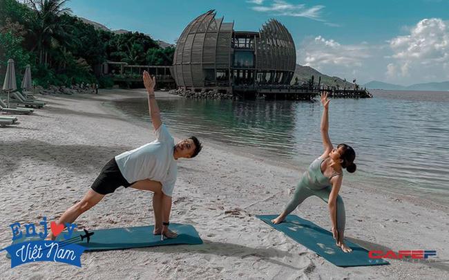 """Sau chuyến đi """"thỏa mãn"""" tại vịnh Ninh Vân, blogger Lý Thành Cơ gợi ý resort 5 sao cho các cặp đôi: Lãng mạn, yên bình, dịch vụ độc đáo tuyệt vời!"""