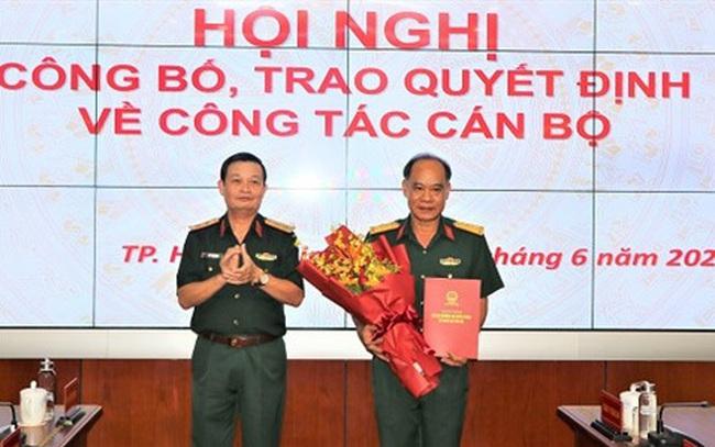 Trao quyết định bổ nhiệm Chủ nhiệm Chính trị Quân khu 7