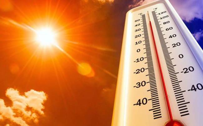 Hôm nay nắng nóng đặc biệt gay gắt, chỉ số UV gây hại ở mức rất cao