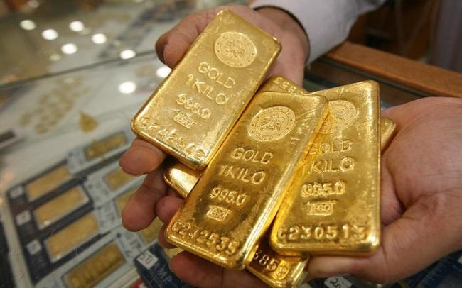 Giá vàng tăng vọt, chênh lệch mua - bán chỉ còn 300 nghìn đồng/lượng